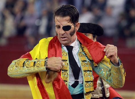 One eyed spanish matador juan jose padilla gets gored in ...