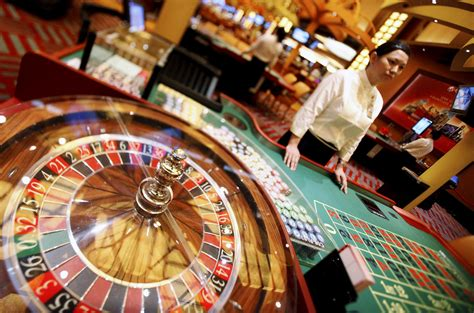 Online Gambling Competing With Land Based Casinos | Latest ...