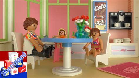 Ontbijt in het Playmobil Hotel! Playmobil film met de ...