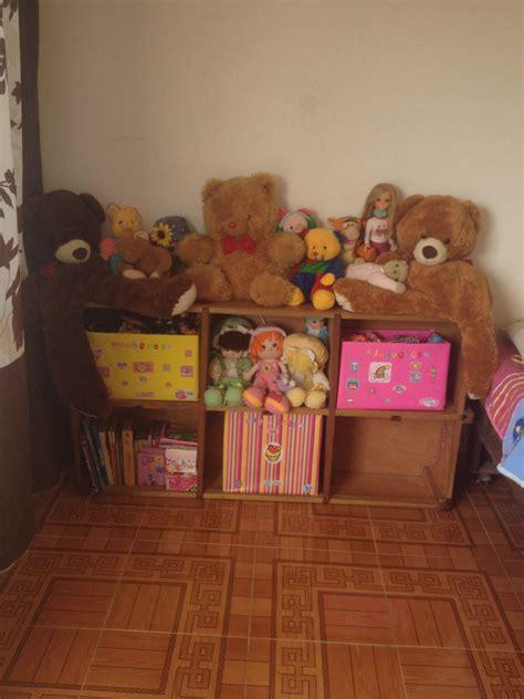 Organizar muñecas y peluches con cajas de cartón decoradas ...
