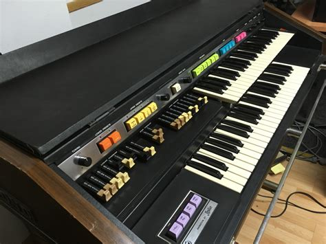 Órgano Hammond B200 de segunda mano por 500 € en Girona ...