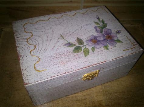 Os dejo alguna caja más de las que he decorado, pintadas ...