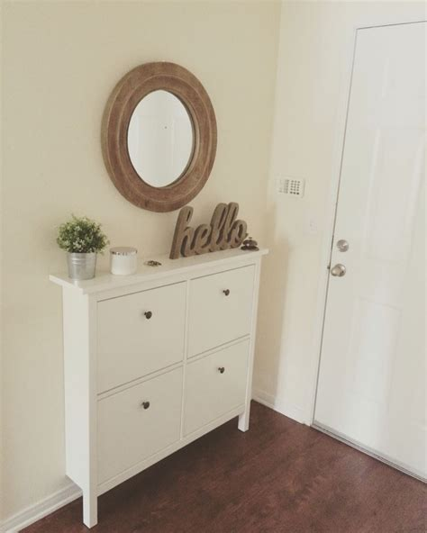 Our small entryway. Ikea Hemnes shoe cabinet. | Moveis de ...