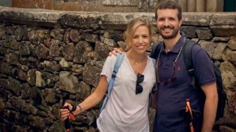Pablo Casado se pone romántico con su mujer en Instagram ...