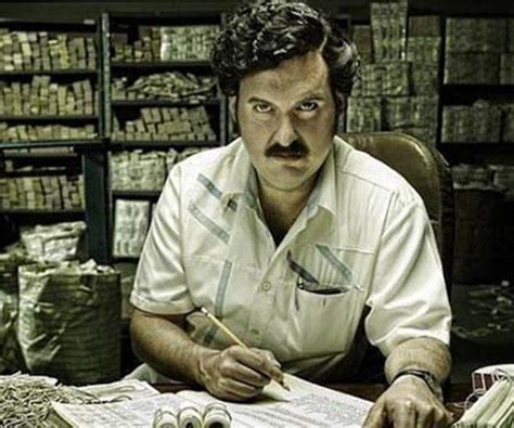 Pablo Escobar Biography   Facts, Childhood, Family Life ...