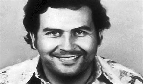 Pablo Escobar Biography ⋆  THE TRUE STORY    Goodread ...