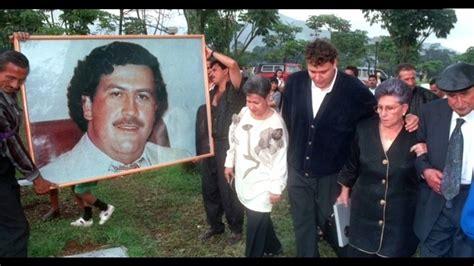 Pablo Escobar   Son Histoire en 1 Minute     YouTube
