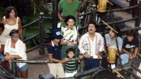 Pablo Escobar'ın Disney World Gezisi Fotoğrafları ...