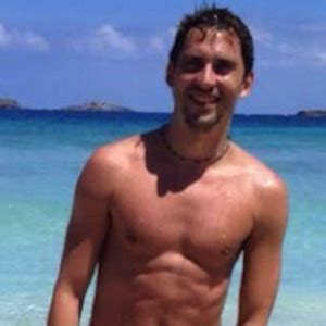 Paco Leon Posts Nude Photo On Twitter After Hitting 1 ...