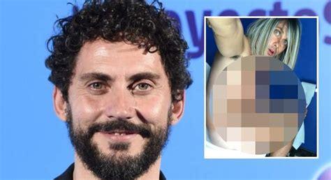 Paco León se desnuda en el váter por  La casa de las ...