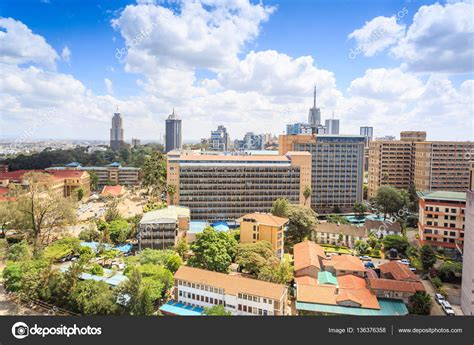 Paisaje urbano de Nairobi   capital de Kenia: fotografía ...