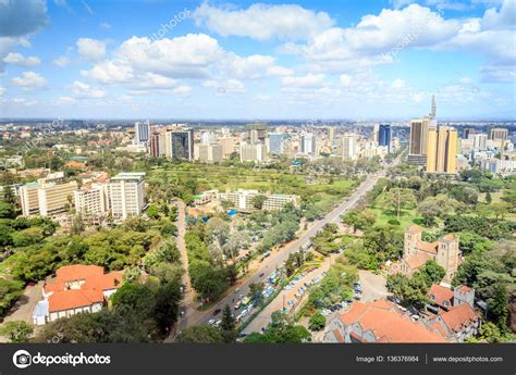 Paisaje urbano de Nairobi   ciudad capital de Kenia ...