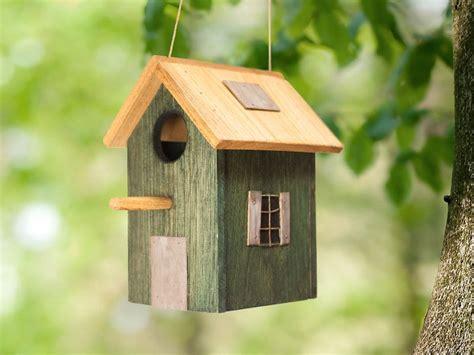 Pájaros   Casita de pájaros de madera. casa para pájaros ...