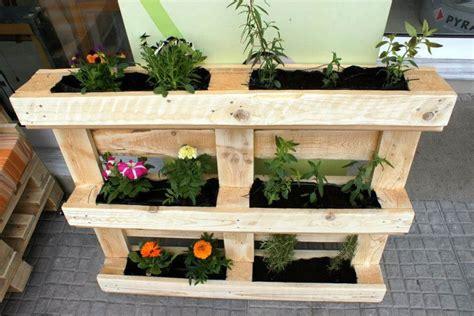 Pallet Vertical Flower Garden or Planter | Pallet ...