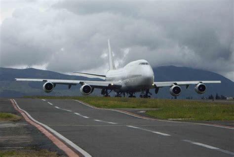 Panoramio   Photo of Aeropuerto Mariscal Sucre   Quito. Un ...