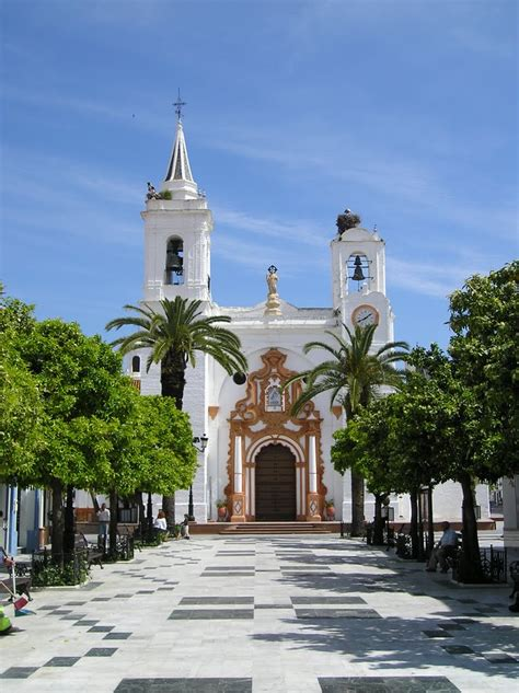 Panoramio   Photo of Plaza de La Virgen del Rocío en Almonte