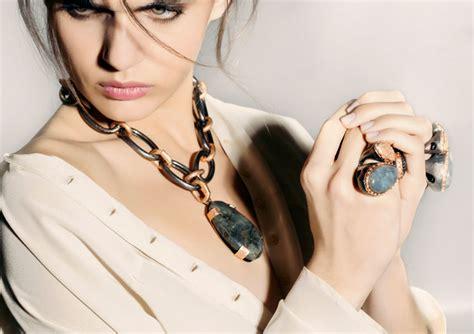Paola Quintana, orfebre, creadora de joyas