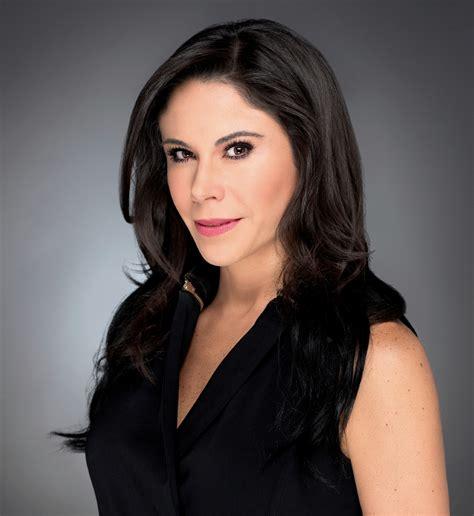 Paola Rojas cautiva a su público con un revelador cambio ...
