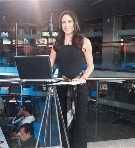 Paola Rojas on Twitter:  Todo listo. Los espero. @Foro_TV ...