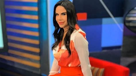 Paola Rojas rejuvenece, pierde años imitando look a Ariana ...