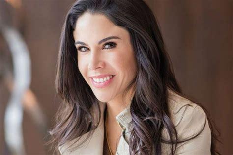 Paola Rojas responde a las ofensas   Revista Caras