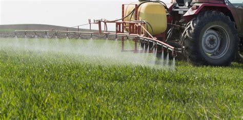 ¿Para qué sirve el mojante en la aplicación de fitosanitarios?