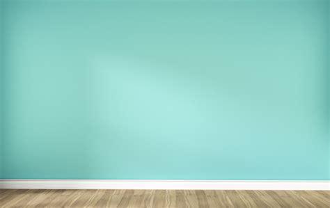Pared de menta verde en el interior de piso de madera ...