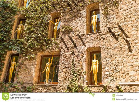 Pared del museo de Dali imagen de archivo editorial ...
