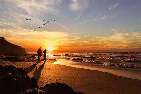 pareja playa amanecer | Zen
