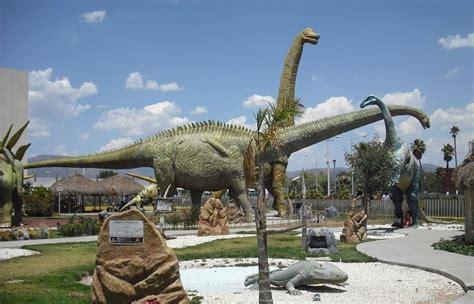 """Parque temático """"El Rehilete"""" con dinosaurios en tamaño ..."""
