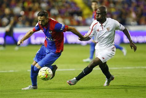 Partido de la jornada 16 de la liga: Sevilla FC   Levante UD