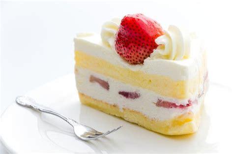 Pastel de fresas y chocolate blanco — Mejor con Salud