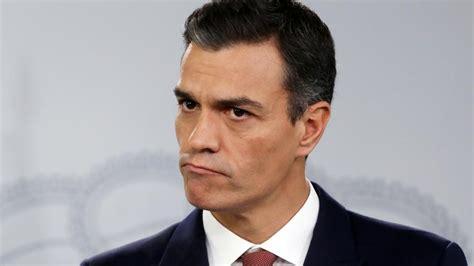 Pedro Sánchez anuncia un cambio de ley para que la banca ...