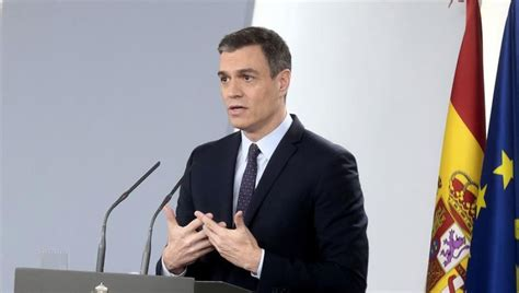 Pedro Sánchez apoya a Felipe VI tras su renuncia a la ...