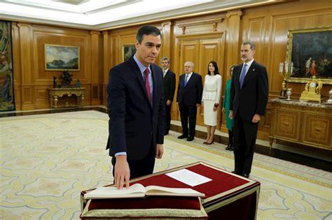 Pedro Sánchez jura como presidente del gobierno ante el ...