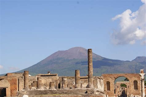 People of Pompeii: how did they become petrified?