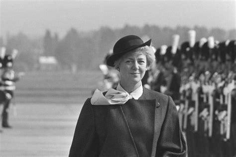 Perempuan Berdaya: Vigdis Finnbogadottir, Presiden Wanita ...