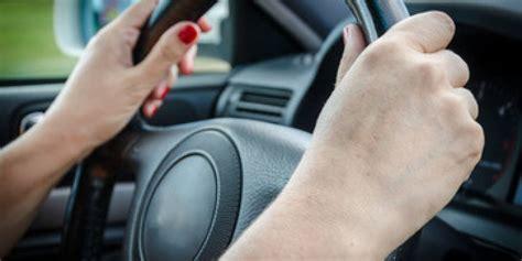 Personas que dicen malas palabras al conducir tienen un ...