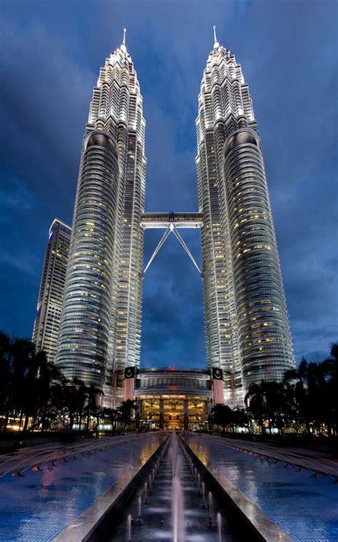 Petronas Twin Towers Pictures & Height   Kuala Lumpur,