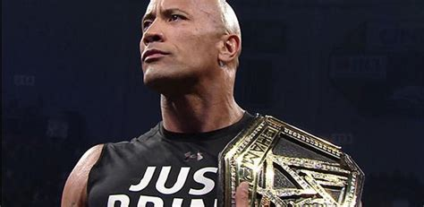 Photos Of The New WWE Title Belt The Rock Debuted On WWE ...