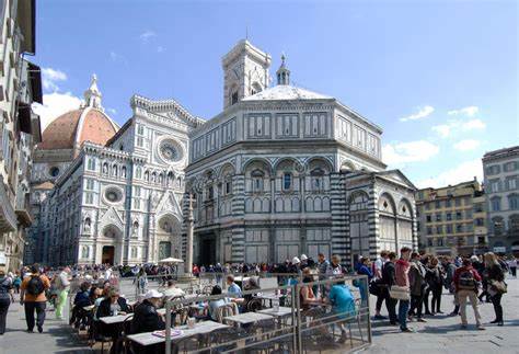 Piazza Del Duomo Florence Italy Editorial Stock Image ...