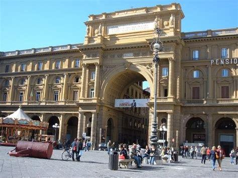 Piazza della Repubblica  Florence    2019 All You Need to ...