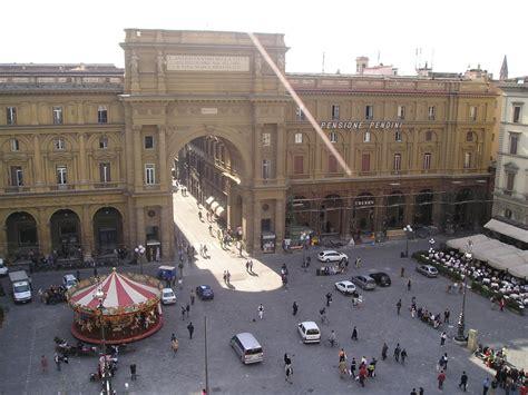Piazza della Repubblica  Florenz  – Wikipedia