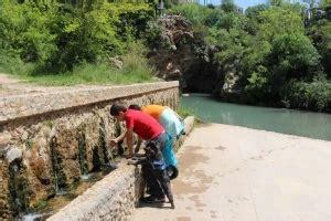 Pícnic con baño en el río en Cataluña   YouMeKids