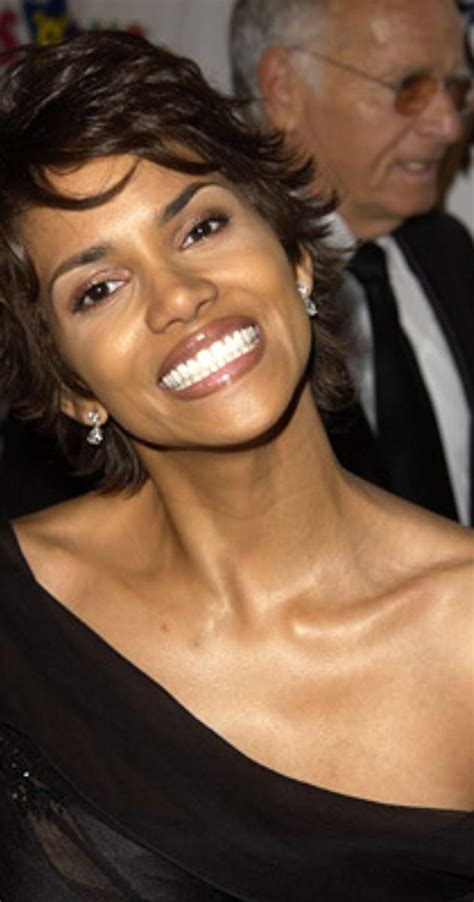 Pictures & Photos of Halle Berry   IMDb
