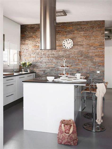 Piedra en paredes   Decoración de cocina, Islas de cocina ...