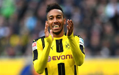 Pierre Emerick Aubameyang closes in on PSG transfer after ...