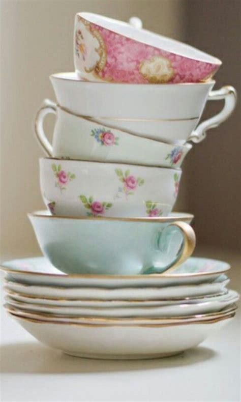 Pila variada.  con imágenes  | Tetera de porcelana, Tazas ...