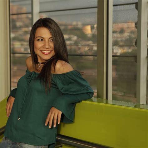 Pilar Velásquez pasa a Caracol Radio | Capsulas de Carreño