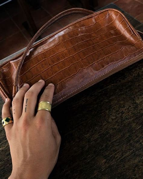 Pin by Franciska Orbay on life keeper   Bone jewelry ...